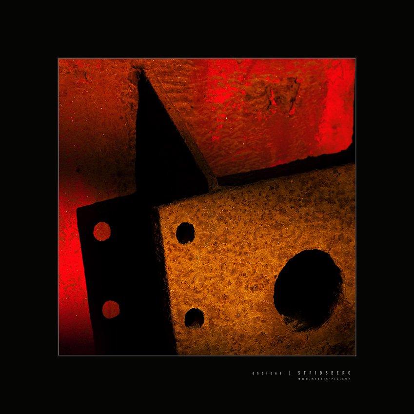 Rust-091101-003-square.jpg
